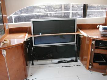 Убирающийся ТВ